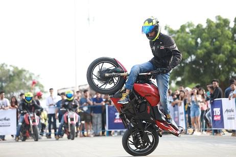 Atharv17-Stunt Show