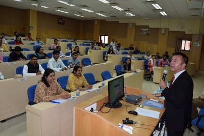 IIM Indore & GIAN Organize a Course on Mixed Methods Research