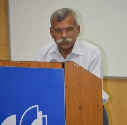 Hindi Fortnight17-Col. Pamidi