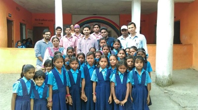 Pragati_distributes_stationary3